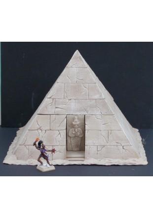 EGYP1 Pyramide creuse