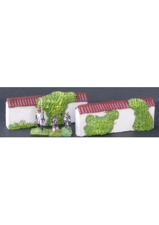 MUR7 2 grands murs droits tuilés avec végétation